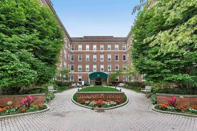111 7th Street #209, Garden City, NY 11530 (MLS #3321075) :: Mark Boyland Real Estate Team