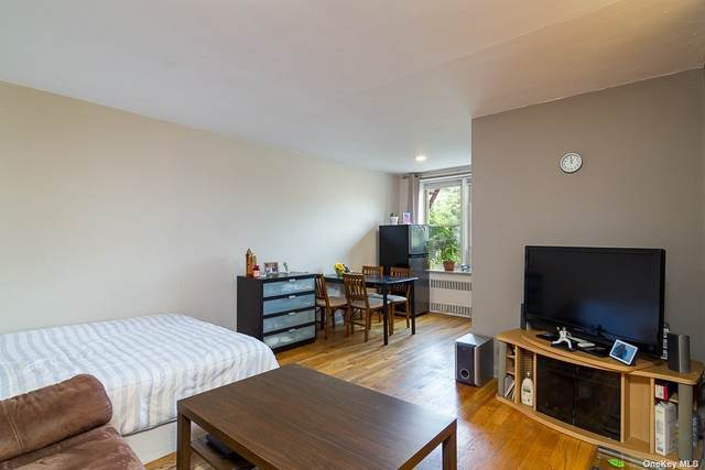 67-25 Clyde Street 3H, Forest Hills, NY 11375 (MLS #3321641) :: Laurie Savino Realtor