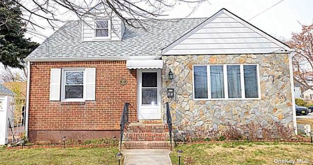 27 7th Street, New Hyde Park, NY 11040 (MLS #3322594) :: Prospes Real Estate Corp