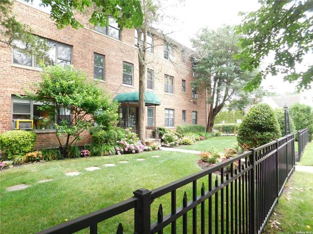 320 Atlantic Avenue E12, E. Rockaway, NY 11518 (MLS #3322769) :: Laurie Savino Realtor