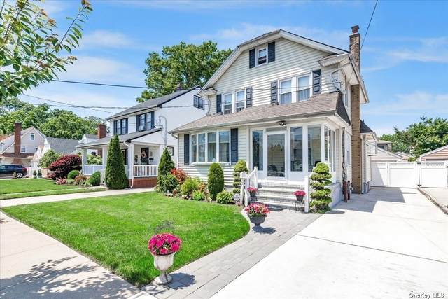 13 Allen Street, Lynbrook, NY 11563 (MLS #3323133) :: Barbara Carter Team