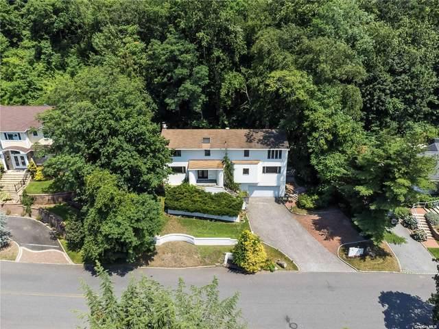 135 Mimosa Drive, Roslyn, NY 11576 (MLS #3326888) :: Carollo Real Estate