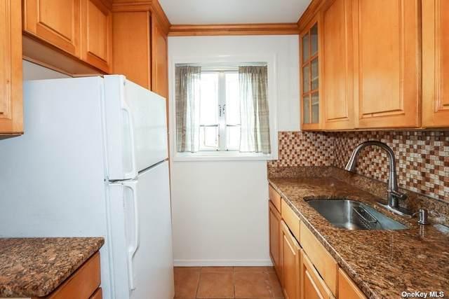 228-10 Stronghurst Avenue 31-10, Queens Village, NY 11427 (MLS #3327263) :: Laurie Savino Realtor
