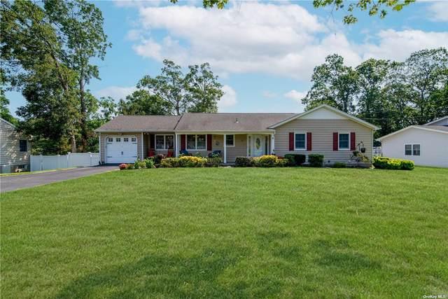 11 Whitewood Drive, Rocky Point, NY 11778 (MLS #3329734) :: Carollo Real Estate