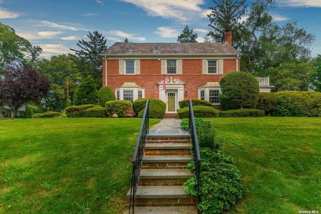 5 Sargent Place, Manhasset, NY 11030 (MLS #3332346) :: The Clement, Brooks & Safier Team