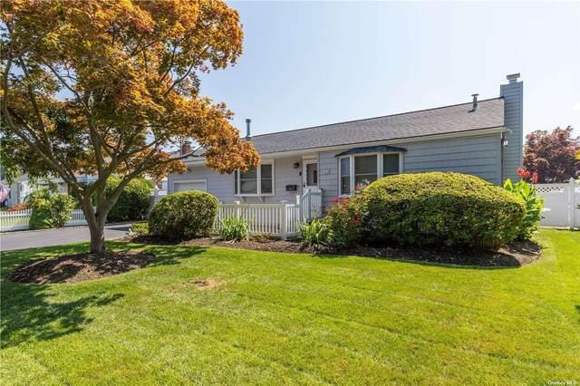 10 Heath Lane, E. Northport, NY 11731 (MLS #3334999) :: Signature Premier Properties