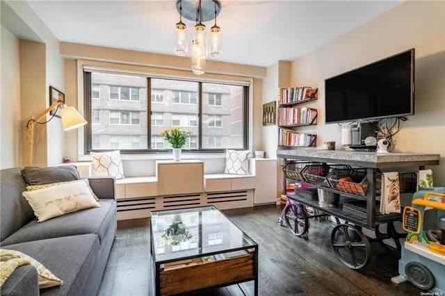 16 W 16th Street 7AS, New York, NY 10011 (MLS #3335975) :: Laurie Savino Realtor