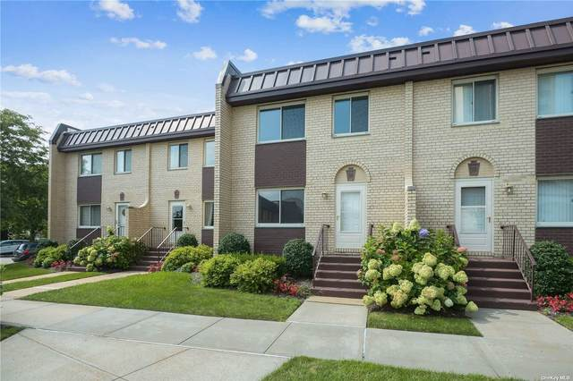 18-41 215th Street Th15, Bayside, NY 11360 (MLS #3341905) :: Goldstar Premier Properties