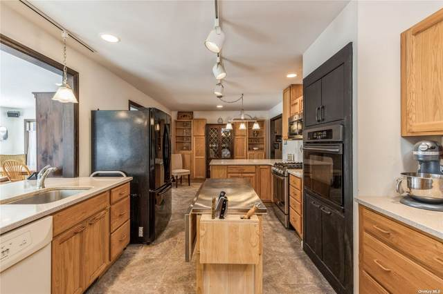 11610 Main Bayview Road, Southold, NY 11971 (MLS #3350914) :: Corcoran Baer & McIntosh