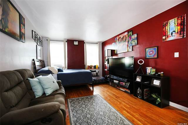 84-50 169 Street #319, Jamaica Hills, NY 11432 (MLS #3351404) :: Cronin & Company Real Estate