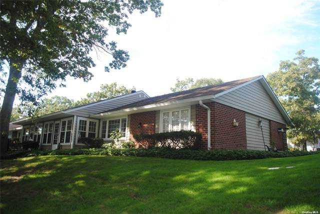 114D Exmore Court #55, Ridge, NY 11961 (MLS #3351502) :: Cronin & Company Real Estate