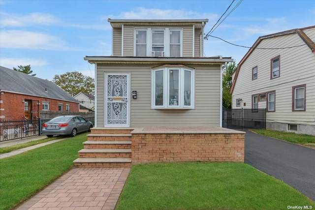 117-22 220th Street, Jamaica, NY 11411 (MLS #3352070) :: Mark Boyland Real Estate Team