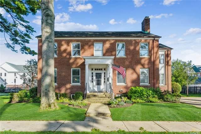 313 Ellington Avenue E, Garden City, NY 11530 (MLS #3352329) :: Signature Premier Properties