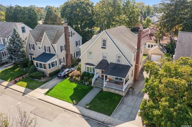 16 Ardsley Pl., Rockville Centre, NY 11570 (MLS #3353272) :: Signature Premier Properties
