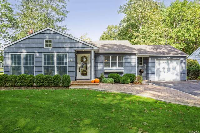 27 Spruce Drive, E. Patchogue, NY 11772 (MLS #3353286) :: Cronin & Company Real Estate