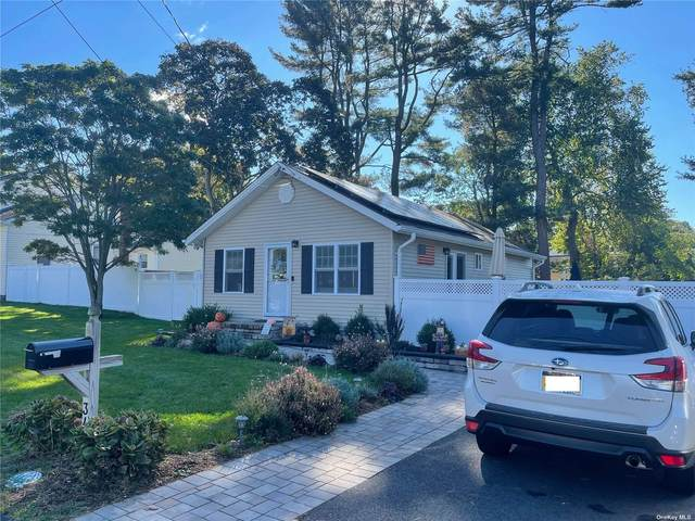 34 Lafayette Avenue, Lake Grove, NY 11755 (MLS #3353322) :: Carollo Real Estate
