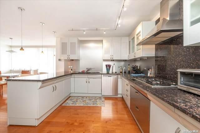 1 Bay Club Drive 16C, Bayside, NY 11360 (MLS #3353472) :: Cronin & Company Real Estate