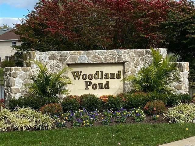 75 Woodlake Drive #75, Woodbury, NY 11797 (MLS #3353551) :: Keller Williams Points North - Team Galligan