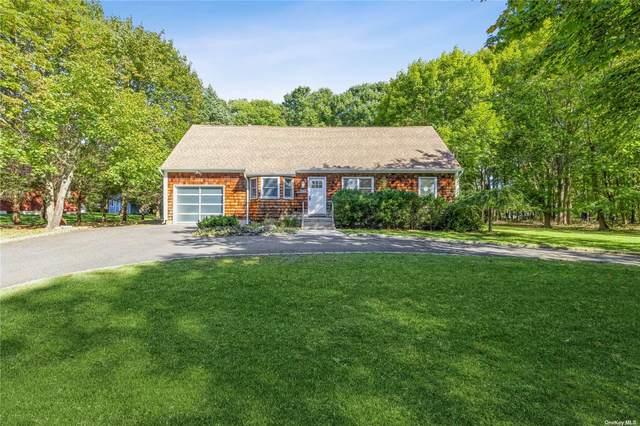 1945 Nakomis Road, Southold, NY 11971 (MLS #3354012) :: Cronin & Company Real Estate
