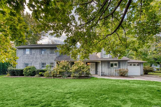 2300 Pine Neck Road, Southold, NY 11971 (MLS #3354277) :: Cronin & Company Real Estate