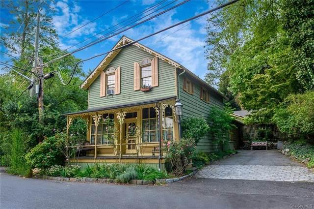696 Oak Tree Road, Palisades, NY 10964 (MLS #H6077518) :: Nicole Burke, MBA   Charles Rutenberg Realty