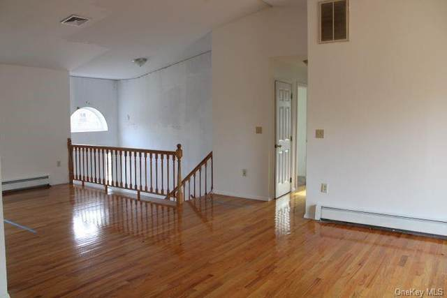 239 Mountain View Avenue, Wallkill, NY 12589 (MLS #H6089390) :: Mark Boyland Real Estate Team
