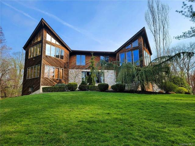 35 Fieldstone Court, New City, NY 10956 (MLS #H6106403) :: Corcoran Baer & McIntosh