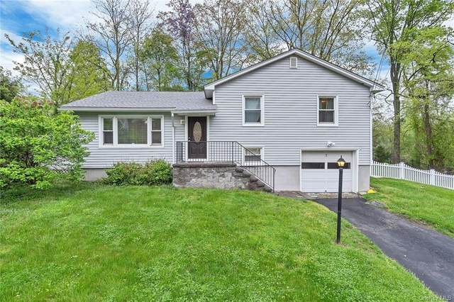 7 Montgomery Road, Fort Montgomery, NY 10922 (MLS #H6112568) :: Barbara Carter Team