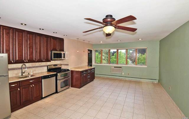 72-52 Metropolitan Avenue 3B, Middle Village, NY 11379 (MLS #3227361) :: Mark Boyland Real Estate Team