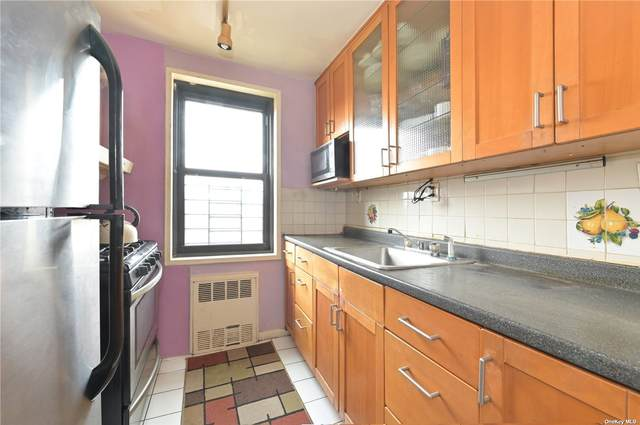 84-01 Main Street #624, Briarwood, NY 11435 (MLS #3295090) :: Carollo Real Estate
