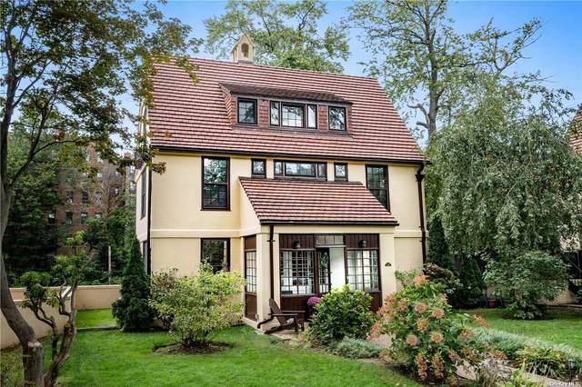 356 Burns Street, Forest Hills, NY 11375 (MLS #3295903) :: Carollo Real Estate