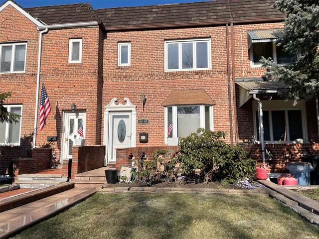 62-03 80th Street, Middle Village, NY 11379 (MLS #3297335) :: Carollo Real Estate