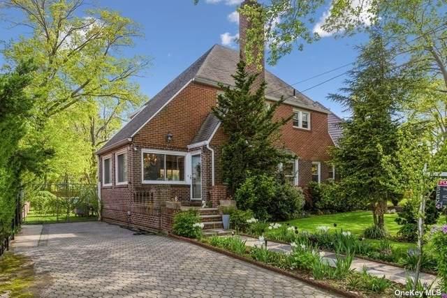 6 Point Crescent, Malba, NY 11357 (MLS #3297648) :: Carollo Real Estate
