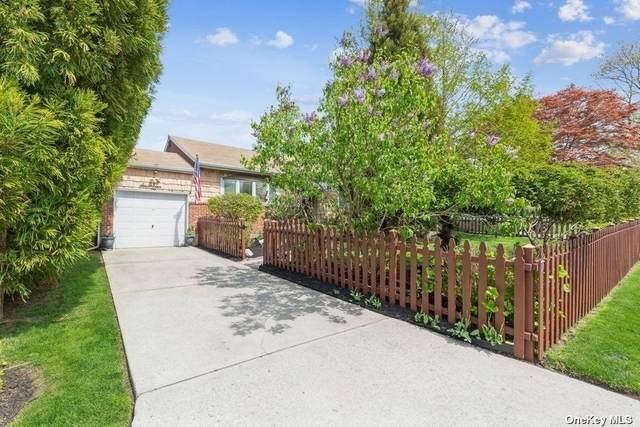 17 Cortelyou Street, Huntington Sta, NY 11746 (MLS #3308350) :: Signature Premier Properties