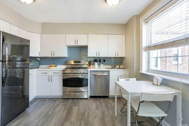 8 Welwyn Road 3A, Great Neck, NY 11021 (MLS #3308450) :: Carollo Real Estate