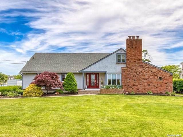 129 Crystal Bch Blvd, Moriches, NY 11955 (MLS #3314479) :: Frank Schiavone with Douglas Elliman