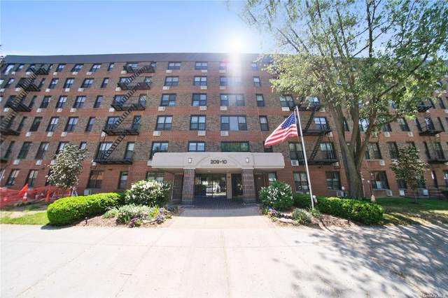 209-10 41st Avenue 3T, Bayside, NY 11361 (MLS #3314956) :: Carollo Real Estate