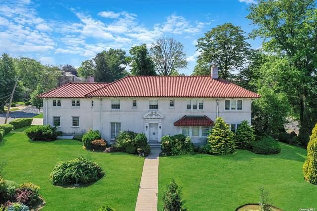 114 Malba Drive, Malba, NY 11357 (MLS #3317563) :: Carollo Real Estate