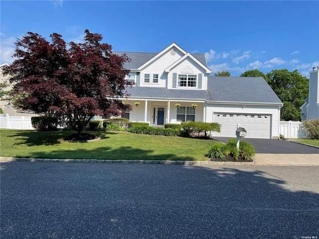 98 Summerfield Drive, Holtsville, NY 11742 (MLS #3319076) :: Signature Premier Properties