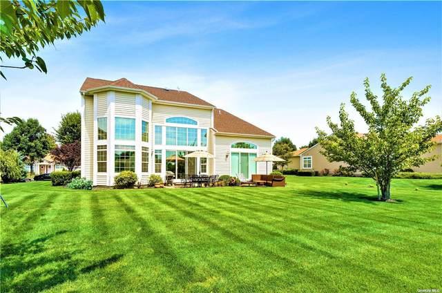 28 Hamlet Woods Drive, St. James, NY 11780 (MLS #3338841) :: Kendall Group Real Estate | Keller Williams