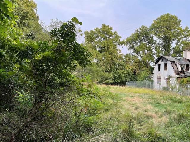81 Old Broadway Avenue, Sayville, NY 11782 (MLS #3344869) :: Carollo Real Estate