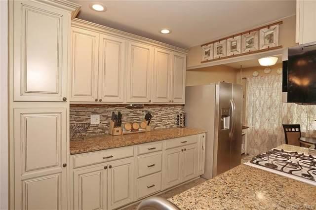 189 Doxbury Lane, Suffern, NY 10901 (MLS #H6060712) :: Cronin & Company Real Estate