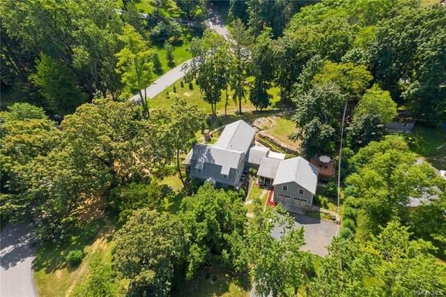 44 Kingwood Park, Poughkeepsie, NY 12601 (MLS #H6067429) :: Frank Schiavone with William Raveis Real Estate