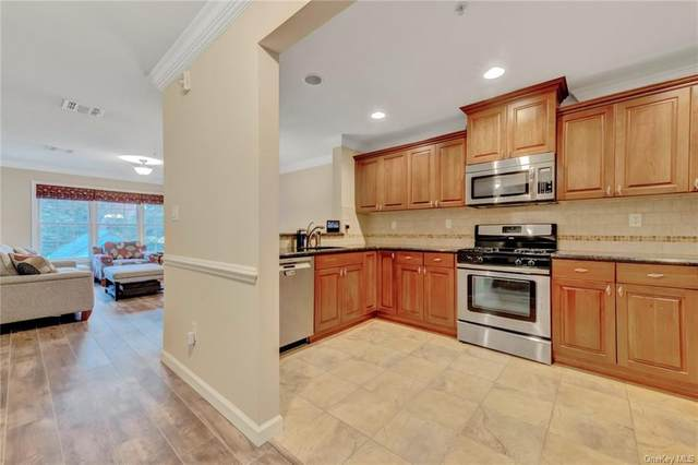 3 Cross Street #305, Suffern, NY 10901 (MLS #H6078052) :: Kevin Kalyan Realty, Inc.