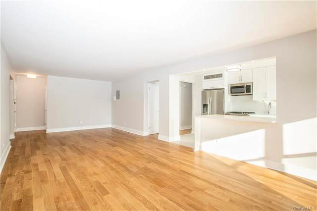 2 Washington Square 3J, Larchmont, NY 10538 (MLS #H6087797) :: Nicole Burke, MBA | Charles Rutenberg Realty