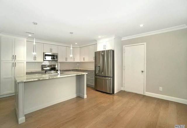 102 Foxwood Drive, Jericho, NY 11753 (MLS #3254608) :: Mark Boyland Real Estate Team