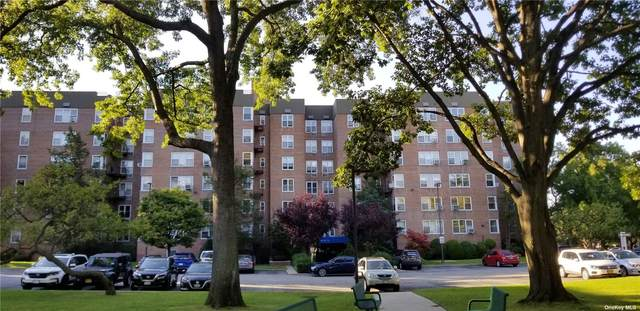 18-40 211th St 2C, Bayside, NY 11360 (MLS #3272722) :: Carollo Real Estate