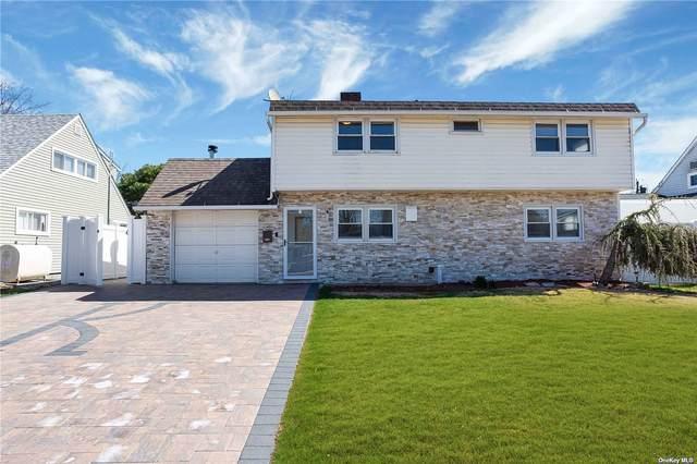 39 W Cabot Lane, Westbury, NY 11590 (MLS #3299552) :: Kendall Group Real Estate   Keller Williams
