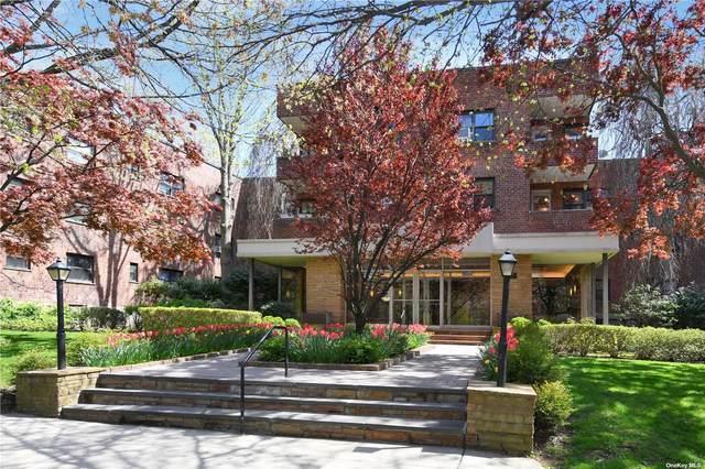 30 Grace Avenue 2-F, Great Neck, NY 11021 (MLS #3307379) :: Shalini Schetty Team