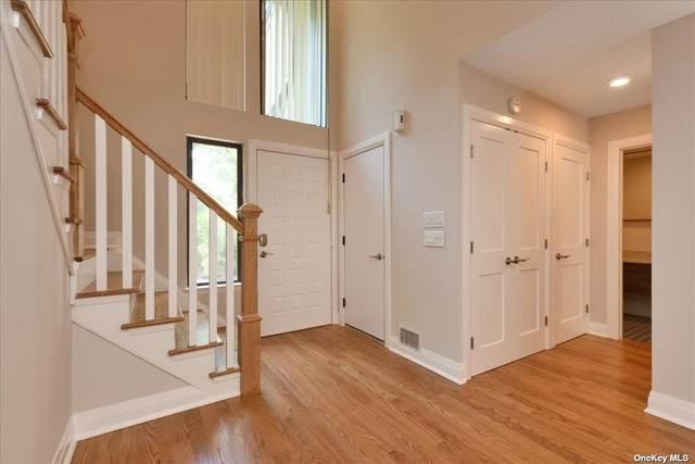 34 W Carriage House Drive #34, Jericho, NY 11753 (MLS #3319842) :: Carollo Real Estate